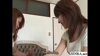 Две милашки обмениваются оралом с двумя мужиками после урока йогой